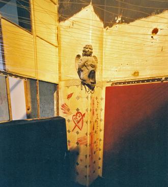 Installation, MK 14.06.02, Valentinskamp 34a, Hamburg, Foto MOJ